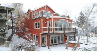 Luxury 4 bdrm almost ski-in/out home close to main st & Park City town ski lift