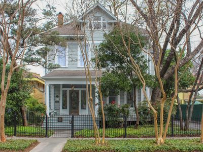 Photo for Architect-renovated 3000sf home, historic KWilliam