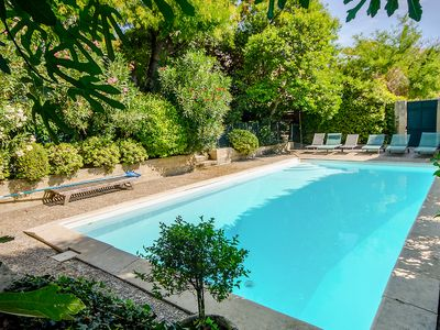 Photo for Character country house with pool in Carpentras