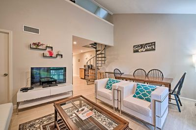 Enjoy a slice of the lake lifestyle at this 2-bed, 2-bath vacation rental!