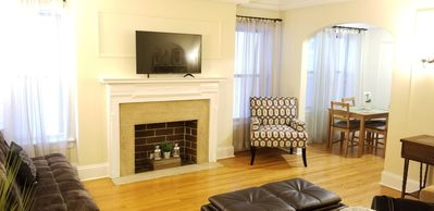 Photo for Magnificent Mile Luxury Apartment *FREE PARKING