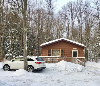 Photo for 2 bedroom cabin at AuTrain Lake! Beach access, sauna, explore Pictured Rocks!
