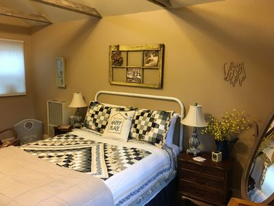 Photo for CHUCKELLI FARM's COZY COTTAGE