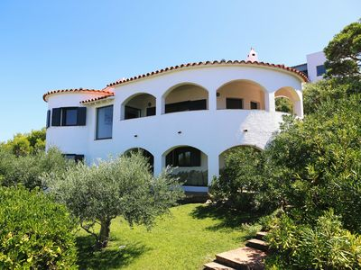 Photo for L'Escala / Montgo: Exceptional sea view, pool and beach access on foot, comfort