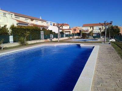 Photo for Charming Villa with communal pool for 8 people, air conditioning, WiFi