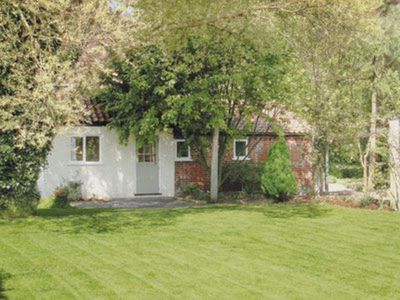 Photo for 1 bedroom property in Brundall. Pet friendly.