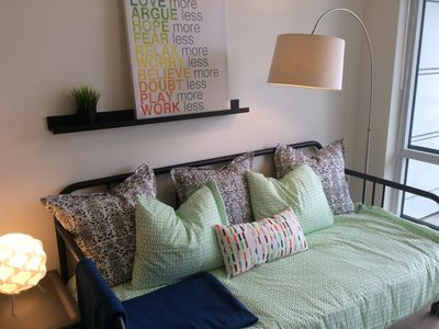 Photo for Contemporary Homy 1BR Unit in Downtown Calgary