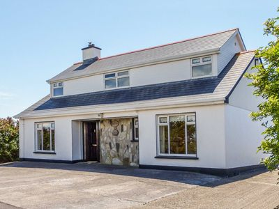Photo for 4BR Cottage Vacation Rental in Carna