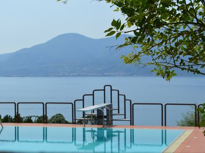 Photo for Beautiful lake views at Villa dei Fiori