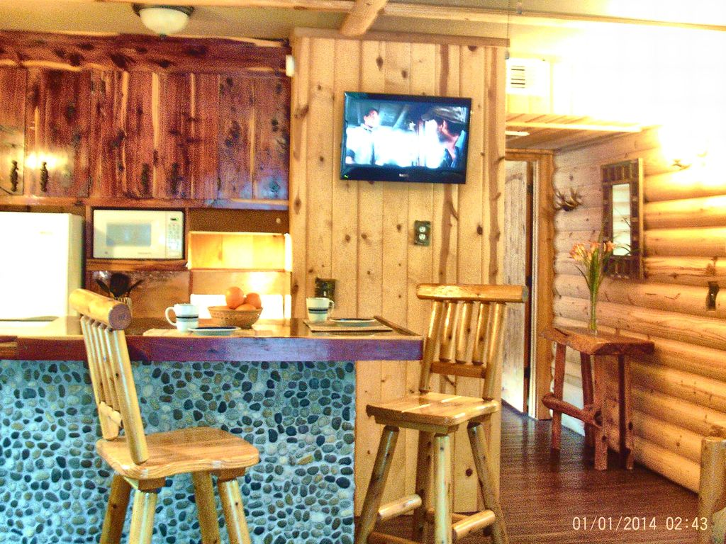 Complimentary boat slip no cleaning fee w vrbo for Lake texoma cabins with hot tub