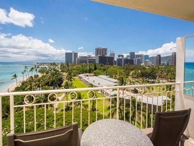 Ocean View+Homey Touches! Washer/Dryer, Kitchenette, Free WiFi–Waikiki Shore  #804