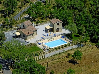 Photo for Villa Borgo Il Massera for 24, with private pool: holiday in the tuscan woods!