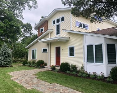 Photo for Bright, Updated Hamptons House - Walkable To Village, Jitney Stop & Bay