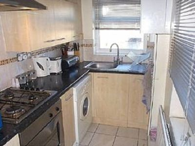Photo for cosy 1 bed flat & a private yard
