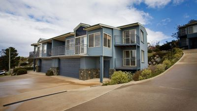 Photo for Torino 4 - An impressive 4 bedroom Jindabyne townhouse with magnificent views