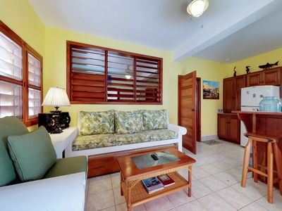 Photo for Cozy condo with a shared pool and a great location - steps from the ocean!