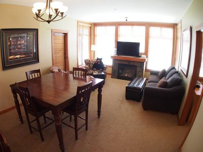 Photo for Ground floor 2 bedroom condo with easy access to ski trails