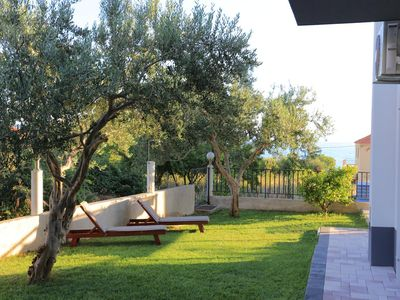Photo for One bedroom apartment with terrace and sea view Podstrana, Split (A-2769-a)