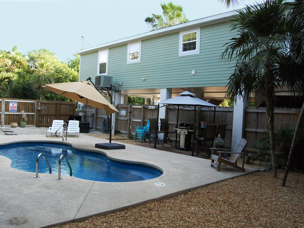 Avail april 3 bedroom 2 bath pool home marathon shores for 6 bedroom house with swimming pool for sale
