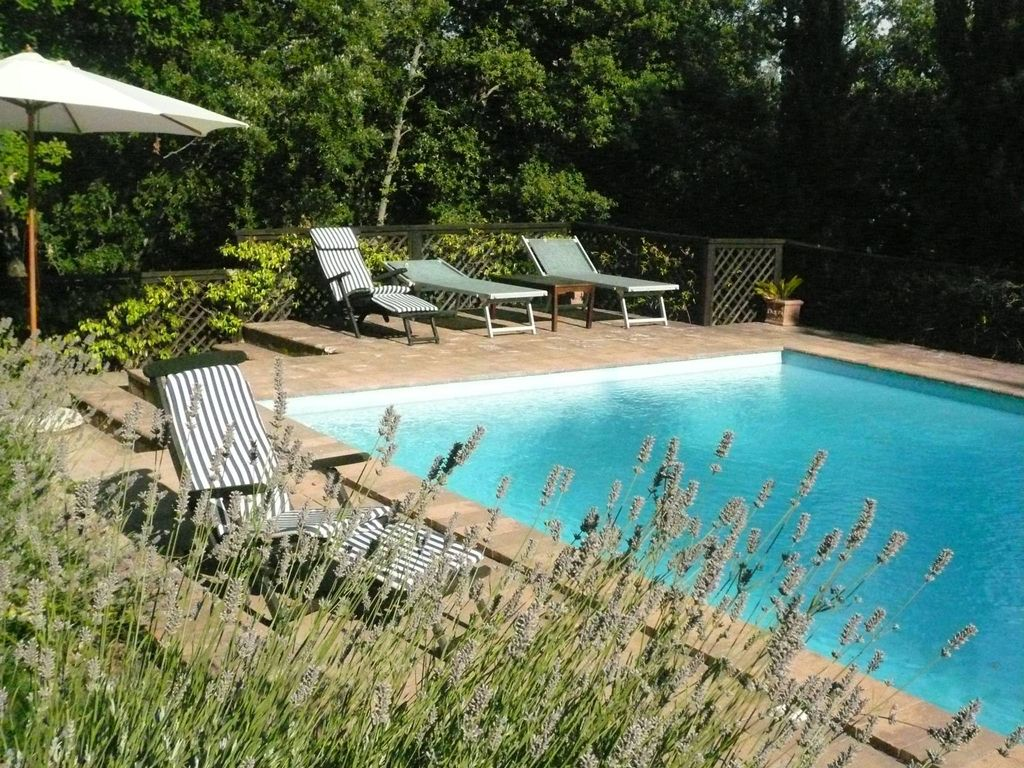 Spacious house with pool access radicondoli tuscany for Pool durchmesser 4 50