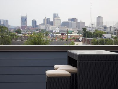 Photo for The Vue 86: New Rooftop Deck 5 mins from Broadway!