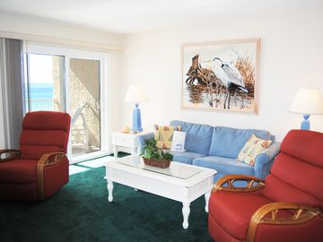 Direct Ocean View from 3rd Floor, Large Pool, Beach Service Included - Ie3M