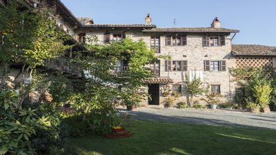 Photo for Independent apartment for 7 people in a typical farmhouse of 1600 - CASA GIULIANA