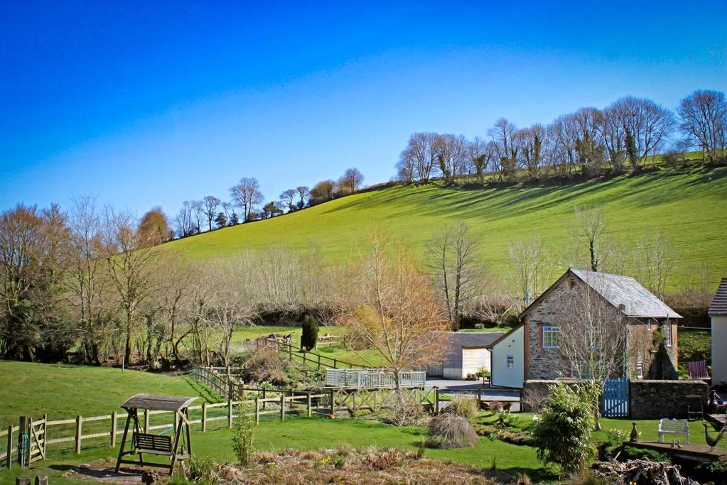 DUNSLEY MILL, pet friendly, with open fire in East Anstey, Ref 959537 -  South Molton