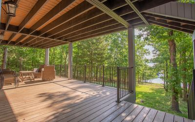 Photo for Happy Hideaway - 4 bedroom Private Lakeside Home with Tons of Space!