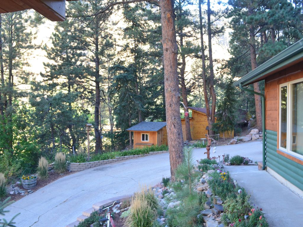 Mountain cabin on river super convenient location pets for Loveland co cabin rentals