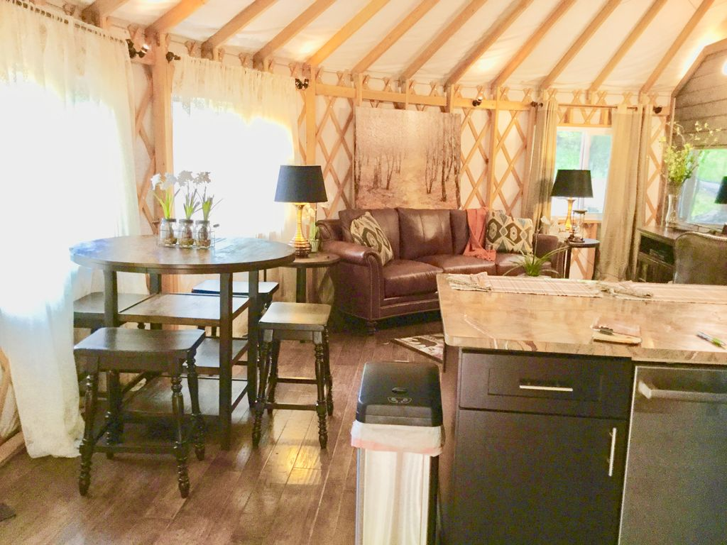 Tranquil Haven Luxury Yurt-94: New Unique and Cozy
