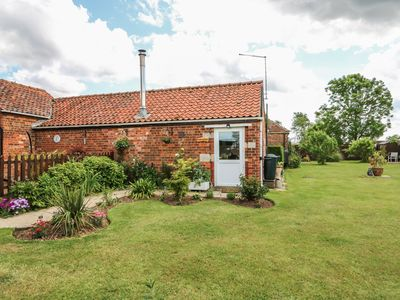 Photo for Poppy Cottage, HECKINGTON