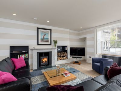 Photo for Stunning 2 Bed Garden Flat in the heart of Edinburgh's New Town.