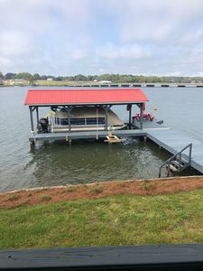Open deep clean water year round. Best Location gas dock and close to grocery!
