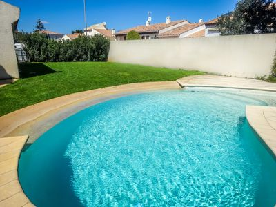 Photo for Beautiful villa, 5 bedrooms, quiet with pool 5 minutes from the beach
