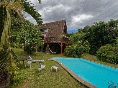 Photo for Charming cottage on large plot with pool, for six people.