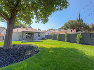 Photo for Luxury Renovated Home, private parking!