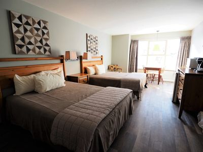 Photo for 2nd floor mountainside corner suite, access to hot tubs