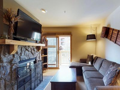 Photo for Comfortable ski-in/ski-out condo w/ jetted tub, shared pool, hot tub, & more!