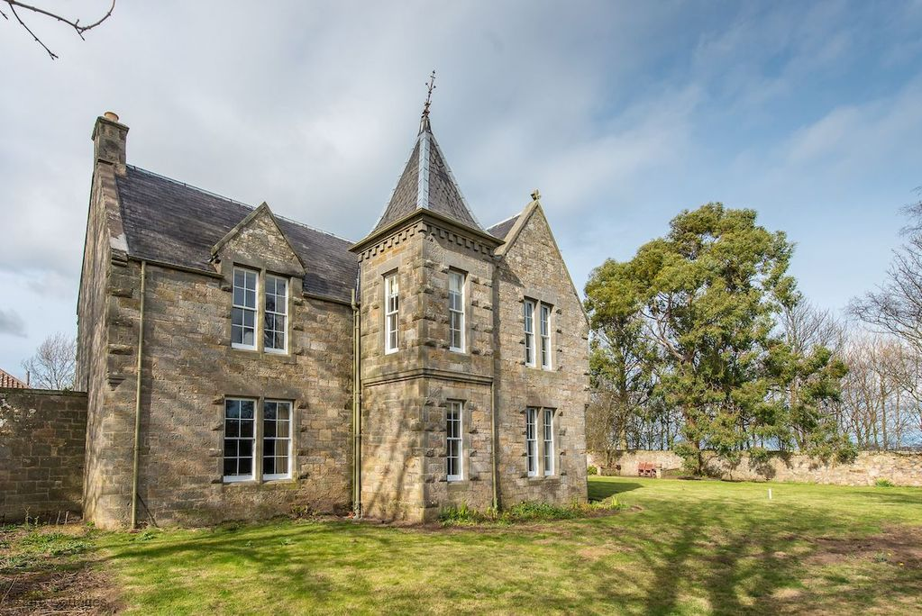 New for 2019 - Sleeps 10 - Spectacular country house outside St Andrews -  Saint Andrews