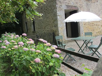 Photo for Charming guest house on the edge of woods, 15 minutes from the sea.