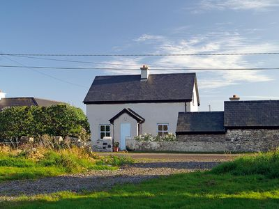 Photo for Detached cottage on the edge of the quaint little fishing village of Slade with its 15th centu…