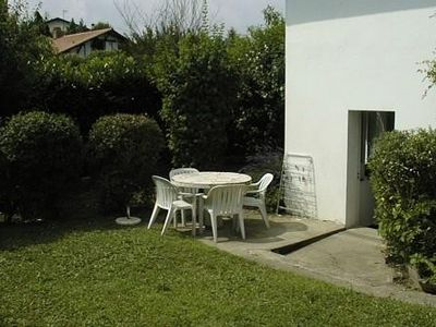 Photo for Apartment ground garden - 2 ch - villa in Anglet (BASQUE Coast)
