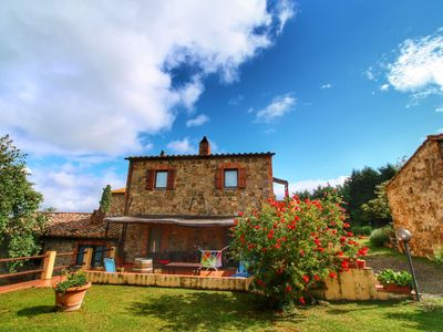 Photo for Authentic Tuscan holiday home on property with stunning views
