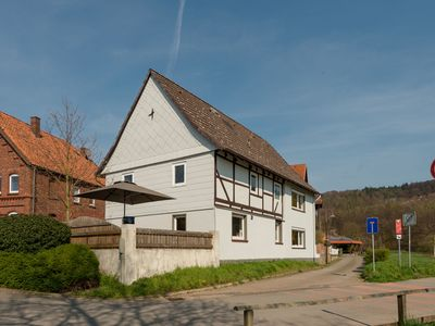Photo for Detached holiday home in the Weserbergland with terrace and balcony.