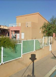 Photo for Detached villa with private garden and community pool, quiet area.