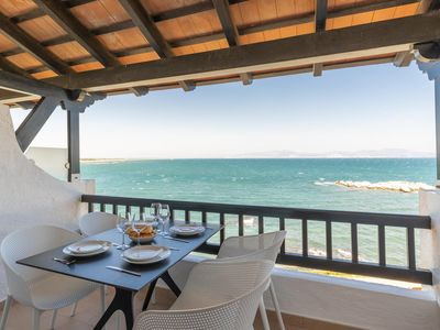 Photo for Coral: Apartment with communal pool and first sea line