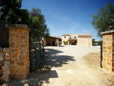 Photo for Great Mallorcan country house with pool on the outskirts of Felanitx
