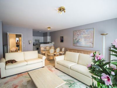 Photo for Spacious apartment near the beach.