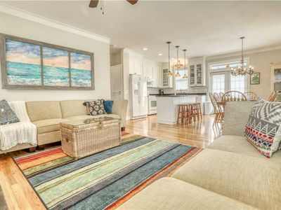 Photo for The Wicked Anemone: 4 BR / 4 BA house in Lincoln City, Sleeps 13